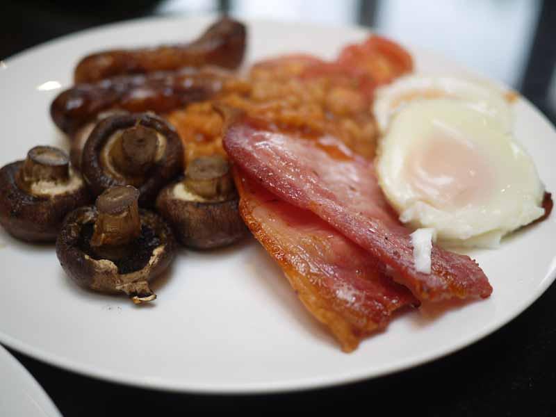 The Easiest Ever Full English Breakfast